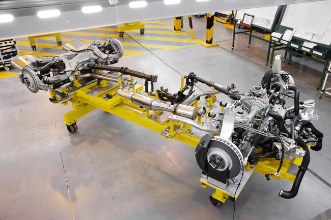 land-rover-range-rover-podveska
